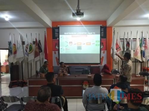 Rapat Pengelolaam Logistik Pemilu 2019 di KPU Kota Malang (Pipit Anggraeni/MalangTIMES).