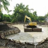 Pembangunan bozem di Surabaya.