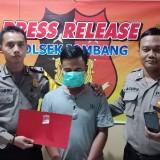 Pelaku penyalahgunaan narkotika saat diamankan di Mapolsek Jombang. (Istimewa)