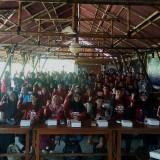 Para peserta Journalist Camp 2019 berfoto bersama Wali Kota Malang Sutiaji. (Foto: Imarotul Izzah/MalangTIMES)