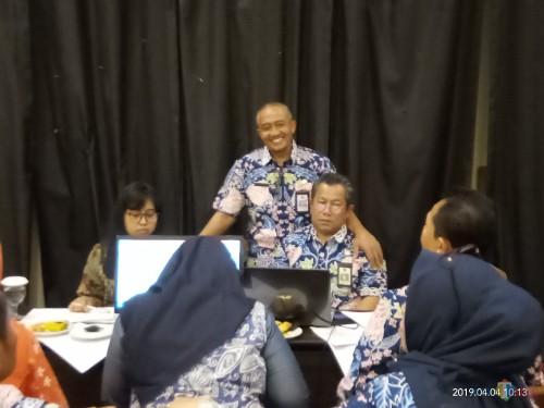 Kepala Barenlitbang Erik Setyo Santoso saat memantau verifikasi Renstra (Anggara Sudiongko/MalangTIMES)
