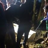 Suasana pemakaman korban mutilasi. (eko Arif s /JatimTimes)