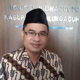 Ketua KPU Tulungagung,  Mustofa (foto:  Joko Pramono/Jatim Times)