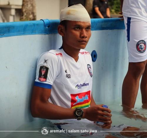 Pemain serba bisa milik Arema FC Ikhfanul Alam. (official Arema FC)