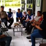 Rombongan Dinas Kesehetan Provinsi Jawa Timur saat berkunjung ke wilayah Sukomade.