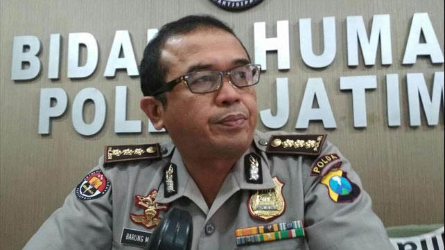 Kabid Humas Polda Jatim Kombespol Frans Barung Mangera.(Foto : suarasurabaya.net)