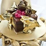 Faberdge chocolate pudding senilai Rp 519 juta dessert dengan lumuran cokelat Belgia premium, emas, dan kaviar. (Foto: Istimewa)