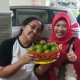 Anggora DPR RI Komisi XI, Eva Kusuma Sundari (Kiri) dan Siti Iftitah, Caleg PDI P dari Dapil Kediri 1 (Kanan). (Foto: Dok Eva K Sundari)