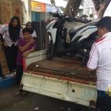 Kendaraan korban dan pikap yang dihantam korban (Agus Salam/Jatim TIMES)
