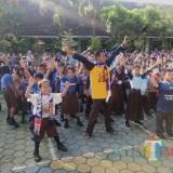 Keseruan Siswa SDN Bareng 3 Membiru Bernyanyi Mensupport Arema, Simak Videonya