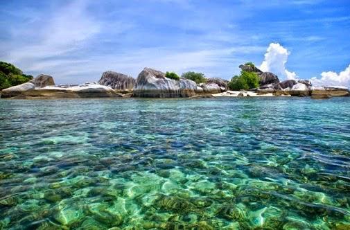 Salah satu pulau memiliki kisah terbentujnya Pulau Bangka Belitung. (Foto: istimewa)