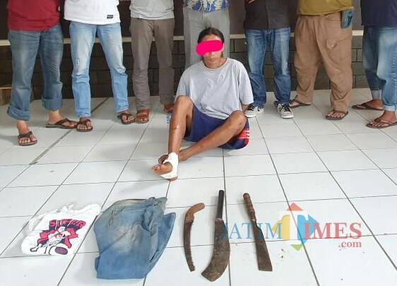 Pelaku Gepeng dan barang bukti diamankan. / Foto : Dokpol / Tulungagung TIMES