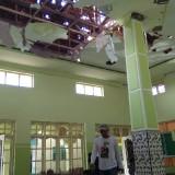 Kondisi di dalam Musala Baitul Atiq yang rusak parah