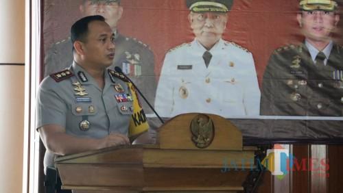 Kapolres Malang AKBP Yade Setiawan Ujung, saat memberi penjelasan terkait persiapan Pemilu dan Pilpres 2019, Kabupaten Malang (Foto : Dokumen MalangTIMES)