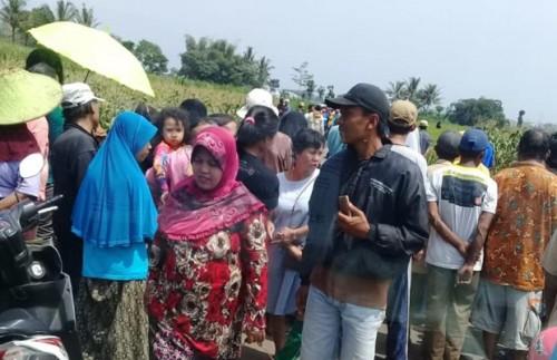 Situasi lokasi ditemukannya jasad Pardi, korban yang tewas karena kasus pembunuhan, Kecamatan Pakis (Foto : Dokumen MalangTIMES)