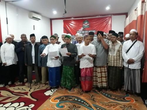 Komunitas Laskar Aswaja Nusantara membacakan ikrar deklarasi di damai, Minggu (14/4/2019) (Foto : Istimewa)