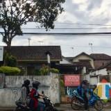 Rumah Dinas Aset Pemkot Batu di Jalan Abdhul Ghani Atas, Kelurahan Ngaglik, Kecamatan Batu. (Foto: Irsya Richa/BatuTIMES)