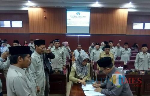 Disahkannya 3 perda merupakan komitmen DPRD Kabupaten Blitar dalam menyejahterakan rakyat.