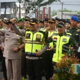 Kapolres dan Forkopimda saat melepas pasukan pengamanan pemilu (foto:  Joko Pramono/Jatim times)