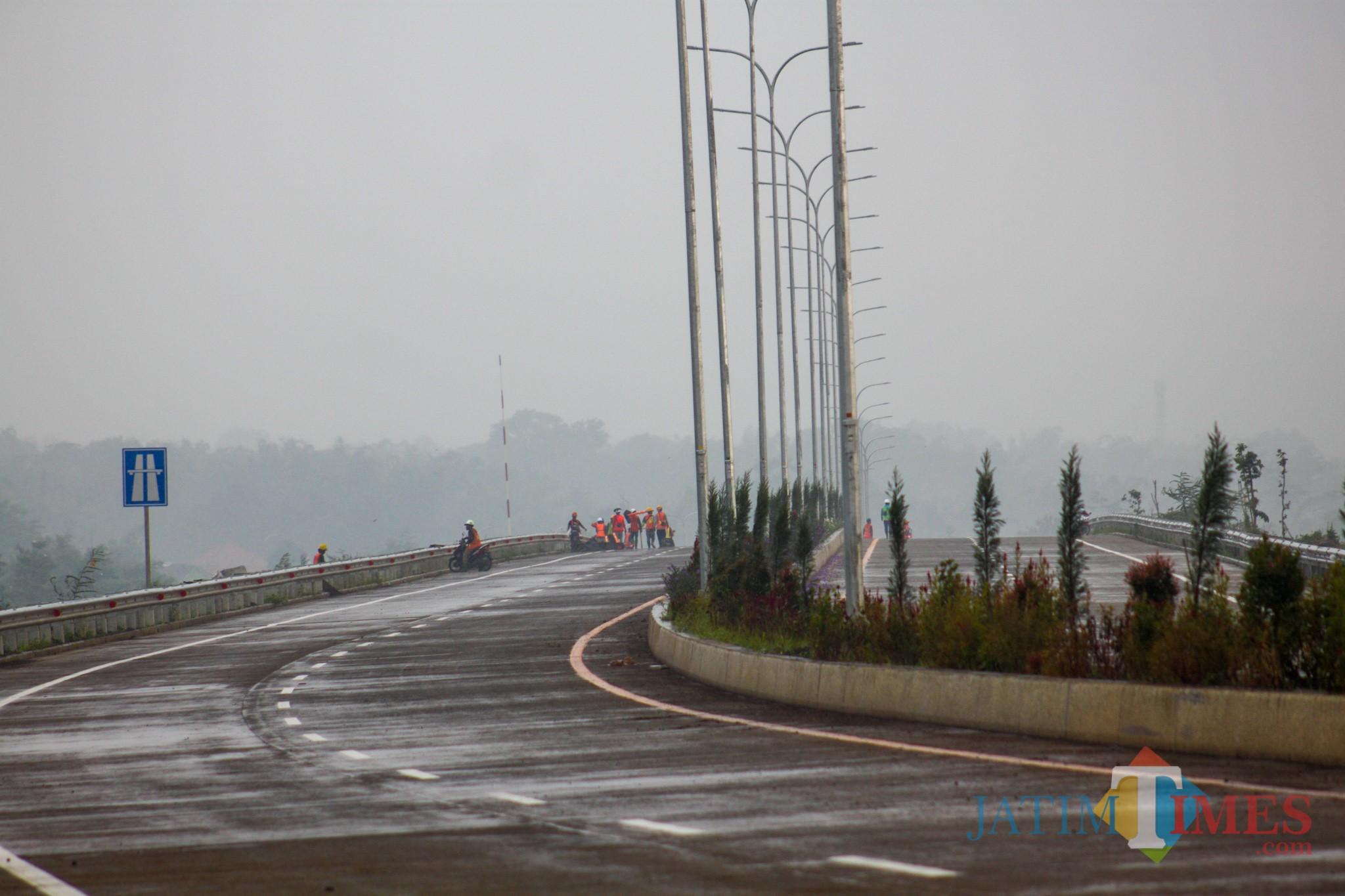 Ruas tol Mapan dekat pintu exit ke Malang (Luqmanul Hakim/Malang Times)