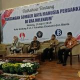 Talkshow SDM Perbankan di Era Milenial bersama para pimpinan bank anggota BMPD Malang di Gedung FEB UB. (Foto: Imarotul Izzah/MalangTIMES)
