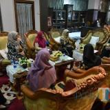 Bupati Jember dr. Hj. Faida MMR saat bertemu dengan pengurus IAI di Pendopo Pemkab Jember (foto : Moh. Ali Makrus / Jatim TIMES)