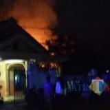Api melahap gudang di Mayangan, Ngantru./ Foto : Istimewa / Tulungagung TIMES
