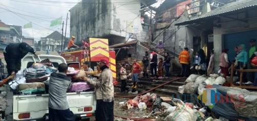 Situasi yang terjadi pasca-kebakaran melanda Pasar Lawang.(Foto : Dokumen MalangTIMES)