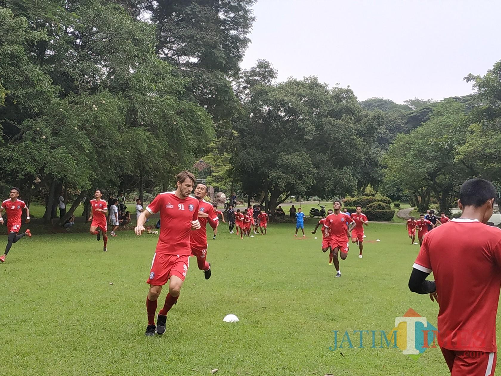 Skuat Arema FC ketika menjalani training center. (Hendra Saputra)