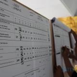 Proses rekapitulasi hasil pemungutan suara di Kecamatan Jombang. (Foto : Adi Rosul / JombangTIMES)