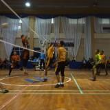 Tim bola voli putra UIN Maliki Malang (Kostum kuning) yang bertanding melawan tim dari Untag (Anggara Sudiongko/MalangTIMES)