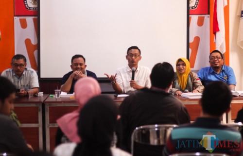 Rapat koordinasi KPU Kota Malang terkait PSU di dua TPS. (Luqmanul Hakim/Malang Times)