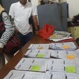 Ratusan lembar bukti C1 yang diserahkan ke KPU Surabaya