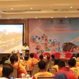 Wali Kota Surabaya Tri Rismaharini membuka acara Gathering �positif bermedia social�
