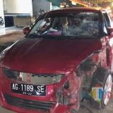 Kondisi mobil Swift yang mengalami ringsek. / Foto : Dokpol / Tulungagung TIMES