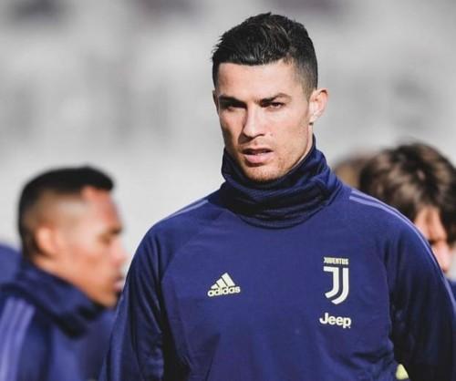 Megabintang Juventus Cristiano Ronaldo (@cristiano)