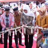 Pameran dan Simposium Inovasi Pelayanan Publik Jawa Timur 2019 yang diselenggarakan di Taman Blambangan, Rabu (24/4/2019).