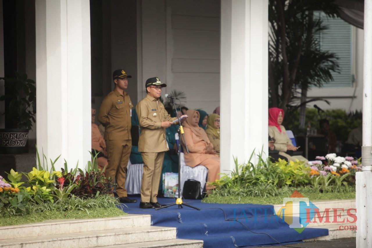 Wali Kota Malang Sutiaji saat menjadi inspektur upacara peringatan Hari Otoda ke 23 di Balaikota Malang. (Foto: Humas Pemkot Malang for MalangTIMES)