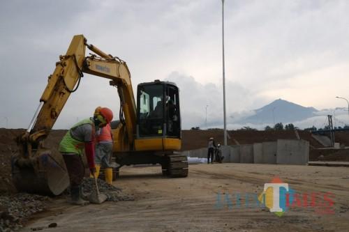 Ilustrasi pembangunan Tol Malang Pandaan. (Foto: Nurlayla Ratri/MalangTIMES)