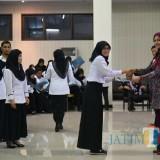 Ratusan CPNS di Jember saat menerima SK CPNS dari Bupati Jember (foto : izza / JatimTIMES)