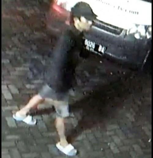 Pelaku yang terekam CCTV (ist)
