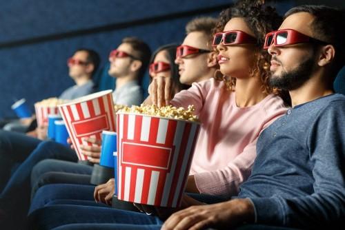 Image result for makan popcorn di bioskop