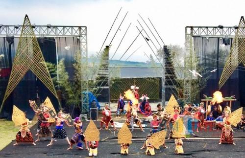 Salah satu pertunjukkan Festival Brantas 2019,diSendratari, Lapangan Sisir, Kelurahan Sisir, Kecamatan Batu, Minggu (28/4/2019). (Foto: Irsya Richa/MalangTIMES)