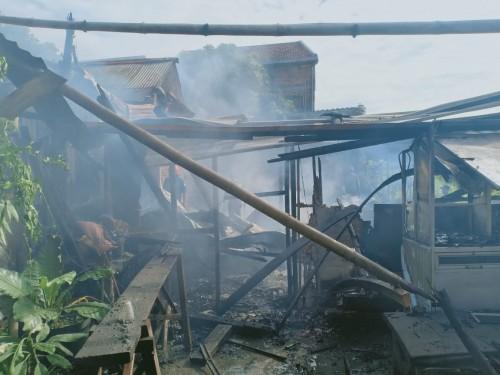 Kondisi rumah korban yang sudah hangus dilahap sijago merah (ist)