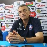 Pelatih Arema FC Ingin Tambah Kecepatan Pemainnya
