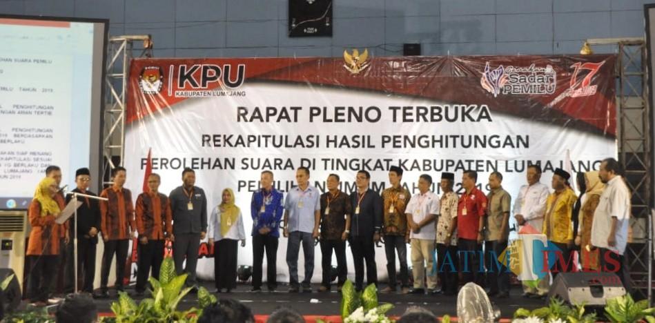 Rapat Pleno terbuka hasil Pemilu Kabupaten Lumajang (Foto : Moch. R. Abdul Fatah / Jatim TIMES)