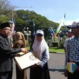 Istimewa, Mendikbud Beri Laptop pada Pemenang Lomba Website Journalist Camp di Hardiknas