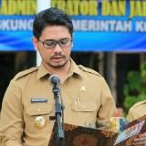 Plt wali kota Pasuruan saat memutasi pejabat baru.