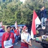 Aksi unjuk rasa BEM Nusantara Jawa Timur di Gedung DPRD Banyuwangi