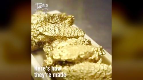Ayam goreng dilapisi emas. (Foto: istimewa)